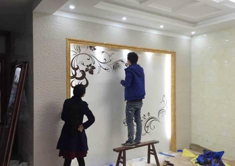 旧房墙面翻新能直接用乳胶漆墙纸硅藻泥吗?施工最简单是铺集成墙面